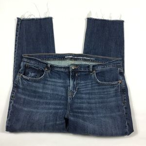 Old Navy Boyfriend Straight Jean Womens 14 Raw Hem